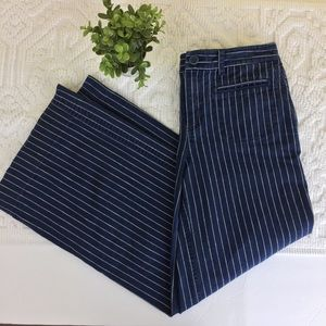 Lauren Jeans Co Wide leg Navy Pinstripe Pants EE13